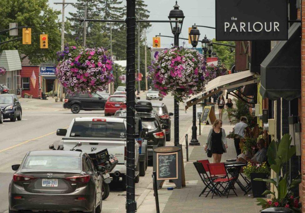 Thornbury Main Street in summer