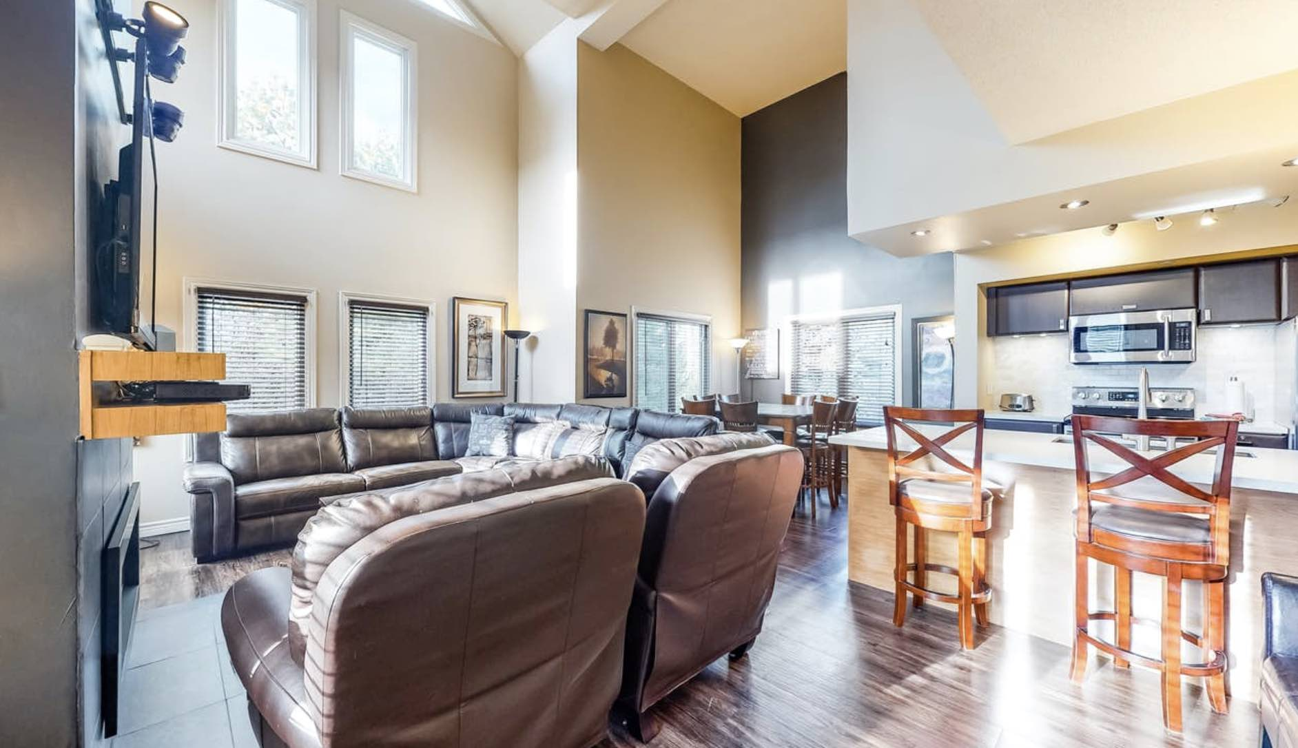 Lodges at Blue Mountain luxury living room